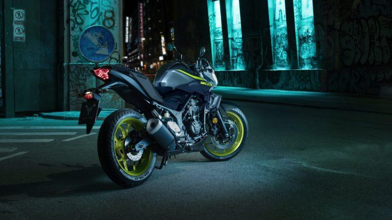 2018-Yamaha-MT-03-EU-Night-Fluo-Static-003 (1).jpg